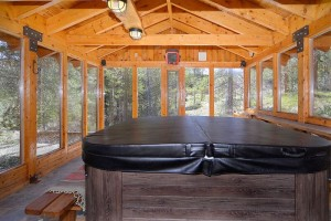 Large 8 person hot tub